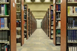 College-Library-696x461