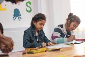children-class-classroom-1720186-1-696x464